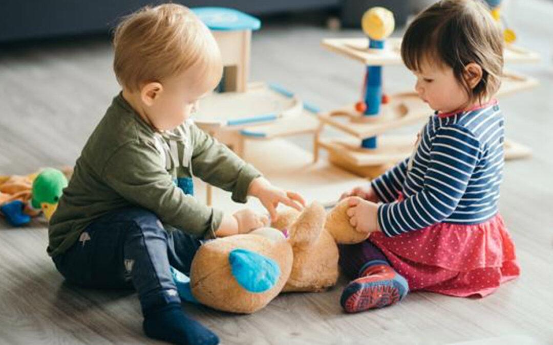 Centros de Educación infantil, «madres de día», ludotecas… estas son las principales diferencias